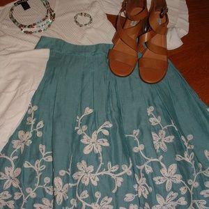Talbots Size 8 Turquoise Embroidered Midi Skirt